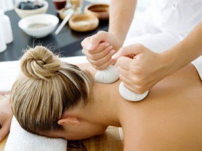masaje-con-pindas-aromaticas-oleiros